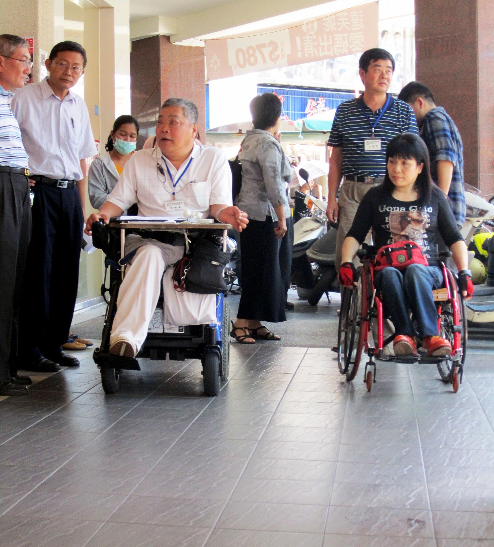 高雄市打造無障礙環境,體貼身障朋友。(圖∕高雄市政府工務局 提供)