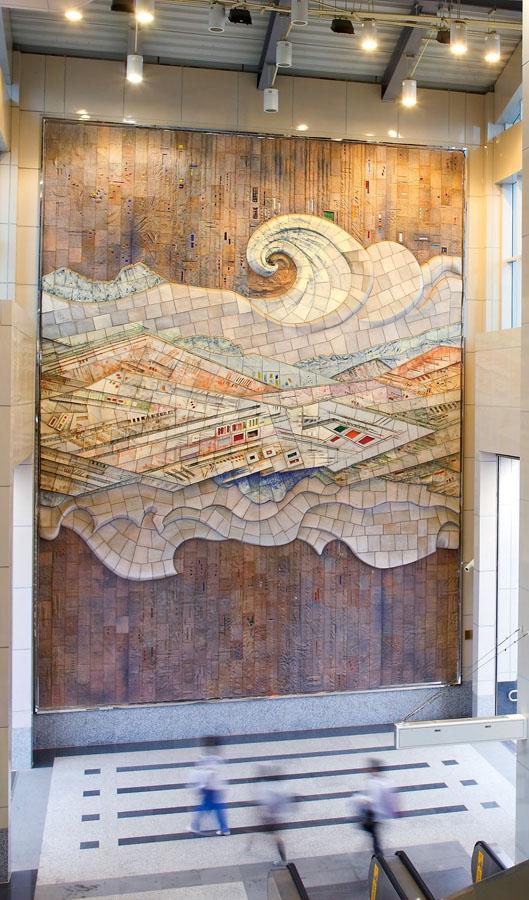 """高雄捷運紅線橋頭糖廠站公共藝術「天工開物」 """"Heavenly Creations""""on exhibition at Kaohsiung's Ciaotou MRT Station."""