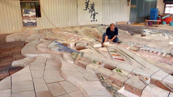 「天工開物」由1,311塊陶瓷零組件組成 Heavenly Creations is made up of 1,311 ceramics pieces.