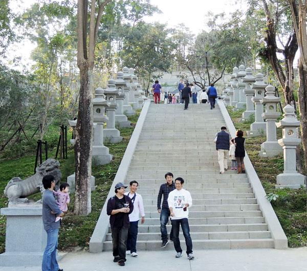 煥然一新的旗山鼓山公園兼顧生態保育與人文歷史。(圖∕李士豪 攝)