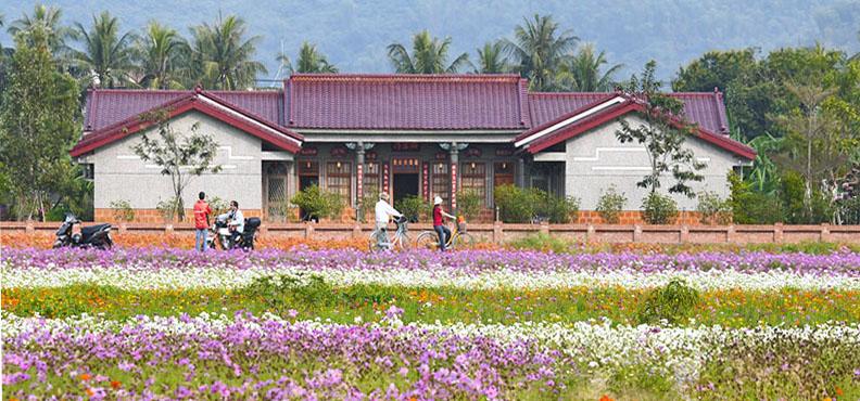 純樸又風光秀麗的旗美地區有許多特色民宿,是體驗鄉村生活好地方。(圖∕張簡英豪 攝)
