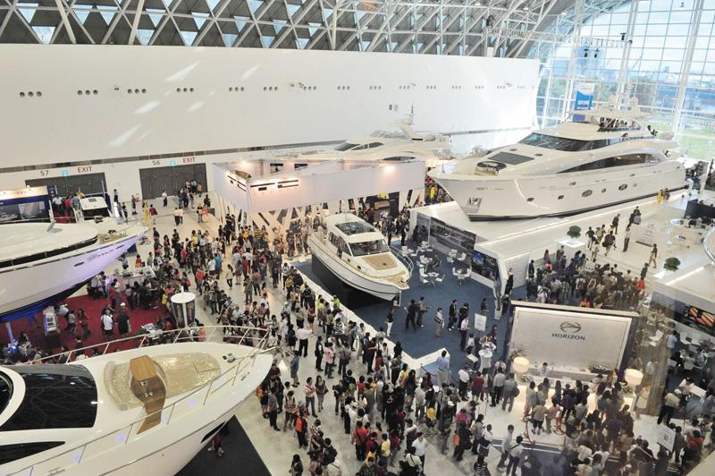 遊艇展吸引超過7萬人前來參觀 The exhibiton was warmly received by more than 70,000 visitors.
