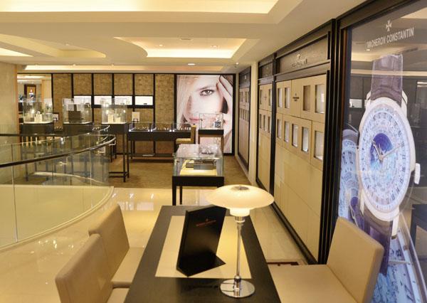 寶島鐘錶販售名錶逾30年 Formosa Watch has been presenting high-end watches for over 30 years.