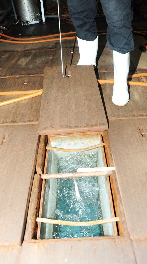 歷時3天冰槽才能結冰 It takes three days to make one batch of ice.