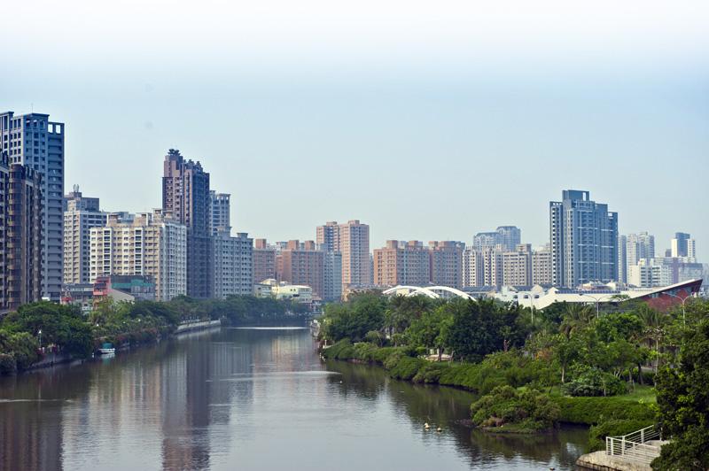 中都濕地公園鄰近愛河,環境優美適宜休憩。(圖∕李士豪 攝)
