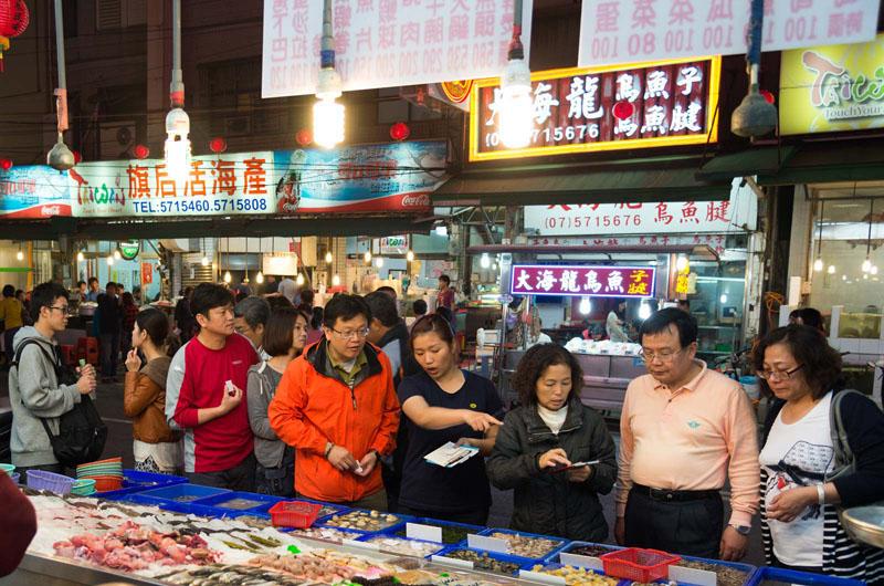 旗津交通便利,海鮮美味,觀光景點集中,每每吸引大量遊客。(圖/高雄市政府經濟發展局 提供)