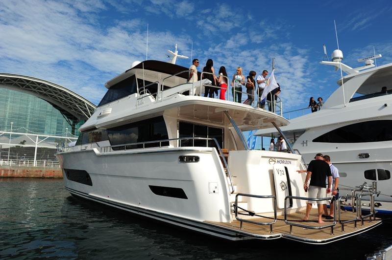 遊艇展戶外碼頭區規劃試乘活動,讓民眾體驗愜意的海上休閒活動。(圖∕鮑忠暉 攝)
