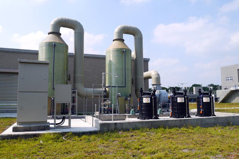 經過最高等級的三級汙水處理,排放出的廢汙水已符合放流標準,維護河川永續環境。(圖∕李昀諭 攝)