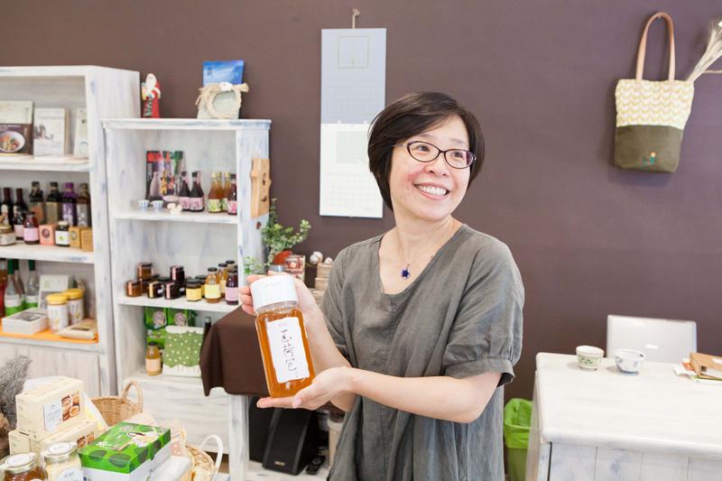 陳怡君開設的「松鼠禾作舍」讓消費者理解商品的故事。(圖∕高志宏 攝)