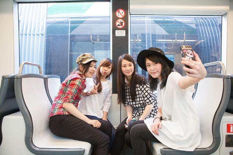 人性化車廂內裝 All carriages are user-friendly.