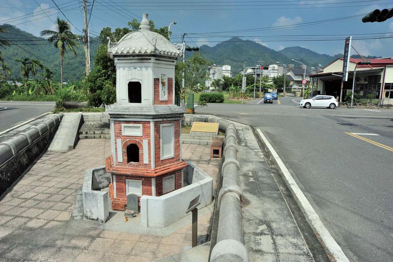 敬字亭 Kiln for sacrificing written paper