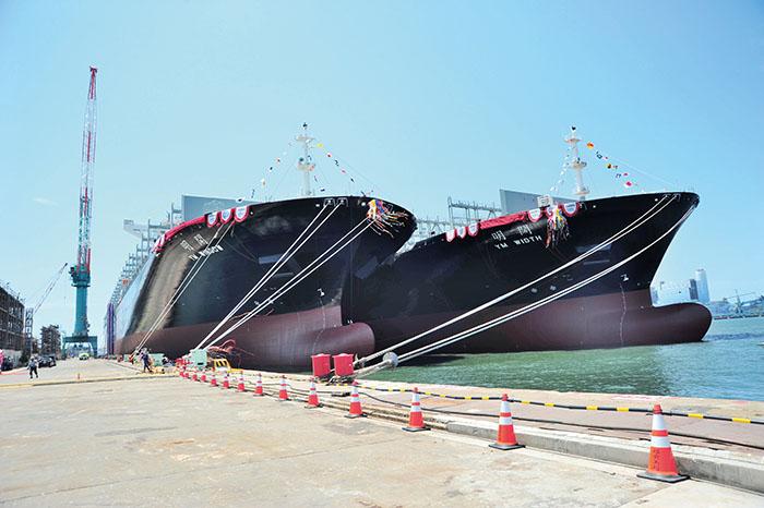 「開明輪」和「闊明輪」是台灣造船史上最大的貨櫃輪。Taiwan's largest ever container vessels- YM WINDOW and YM WIDTH, both constructed by CSBC
