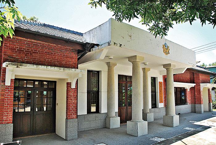 頂林仔邊警察官吏派出所 Dinglinzihbian Police Station