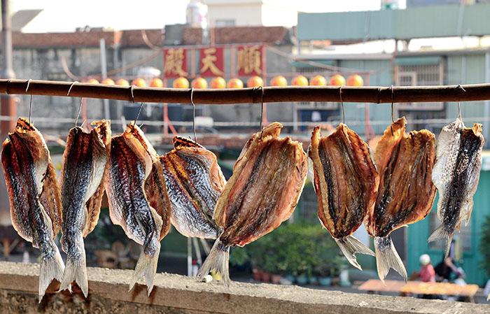 林園漁村常見晾曬魚乾 Drying fish, a common sight in Linyuan