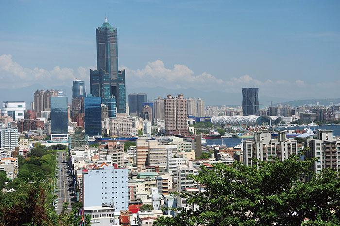 高雄港與市區景致 Panoramic views of Kaohsiung city and port from Shoushan