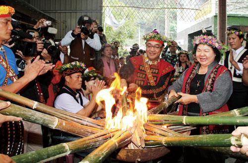 陳菊市長參加黑米祭。Mayor Chen Chu attended Tapakadawane Ceremoney.